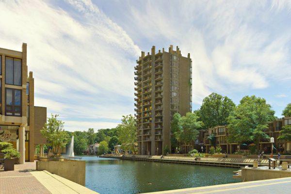 Lake Anne Plaza, Reston