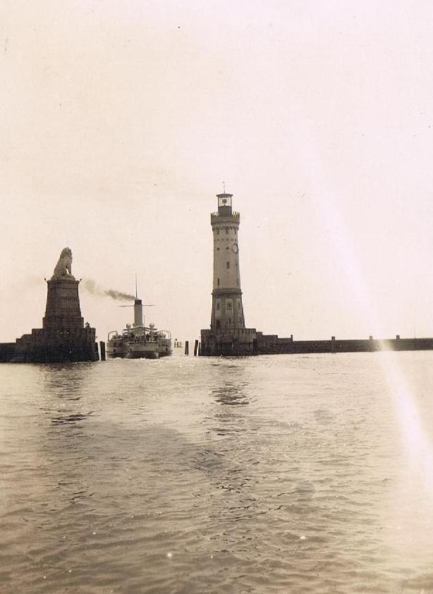 Alte Fotos von Deutschland: Hafeneinfahrt Lindau 1929