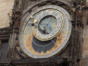 Lore Staffel 2: Die Uhr von Prag