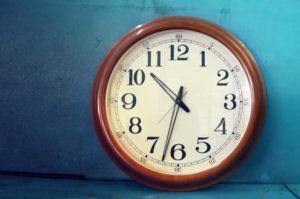 Zahn der Zeit: Uhr