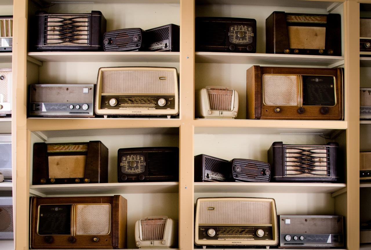 Ukraine 1944: Alte Radios